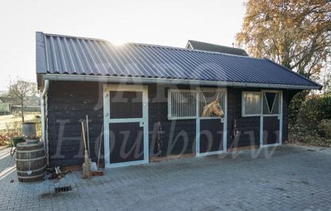 Wonderbaarlijk Houten paardenstal bouwen? Kies voor duurzame houtbouw! CT-76