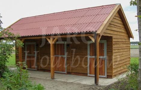 Houten paardenstal bouwen kies voor duurzame houtbouw for Te koop woning met paardenstallen