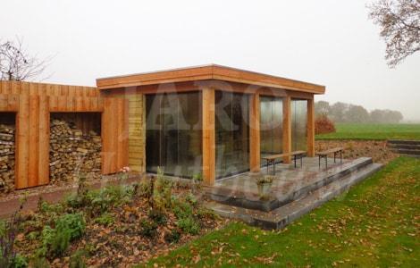 Moderne veranda bouwen jaro houtbouw for Moderne tuin met overkapping