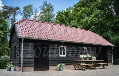 Landelijke carport – Goedkope tuinhuisjes