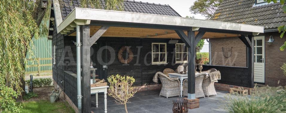Schuur met overkapping bouwen jaro houtbouw for Zelf huis bouwen kostprijs