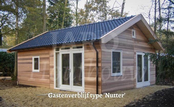 Houten gastenverblijf bouwen jaro houtbouw voor maatwerk for Houten huis laten bouwen